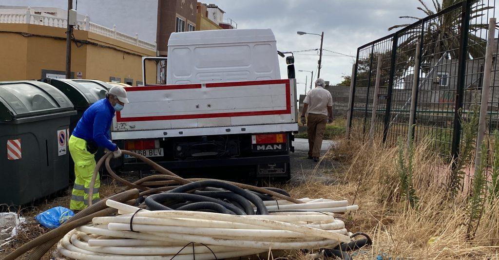 CIUCA CARGA CONTRA LA ALCALDESA DE TELDE POR RETIRAR MATERIALES PELIGROSOS CON PERSONAL MUNICIPAL