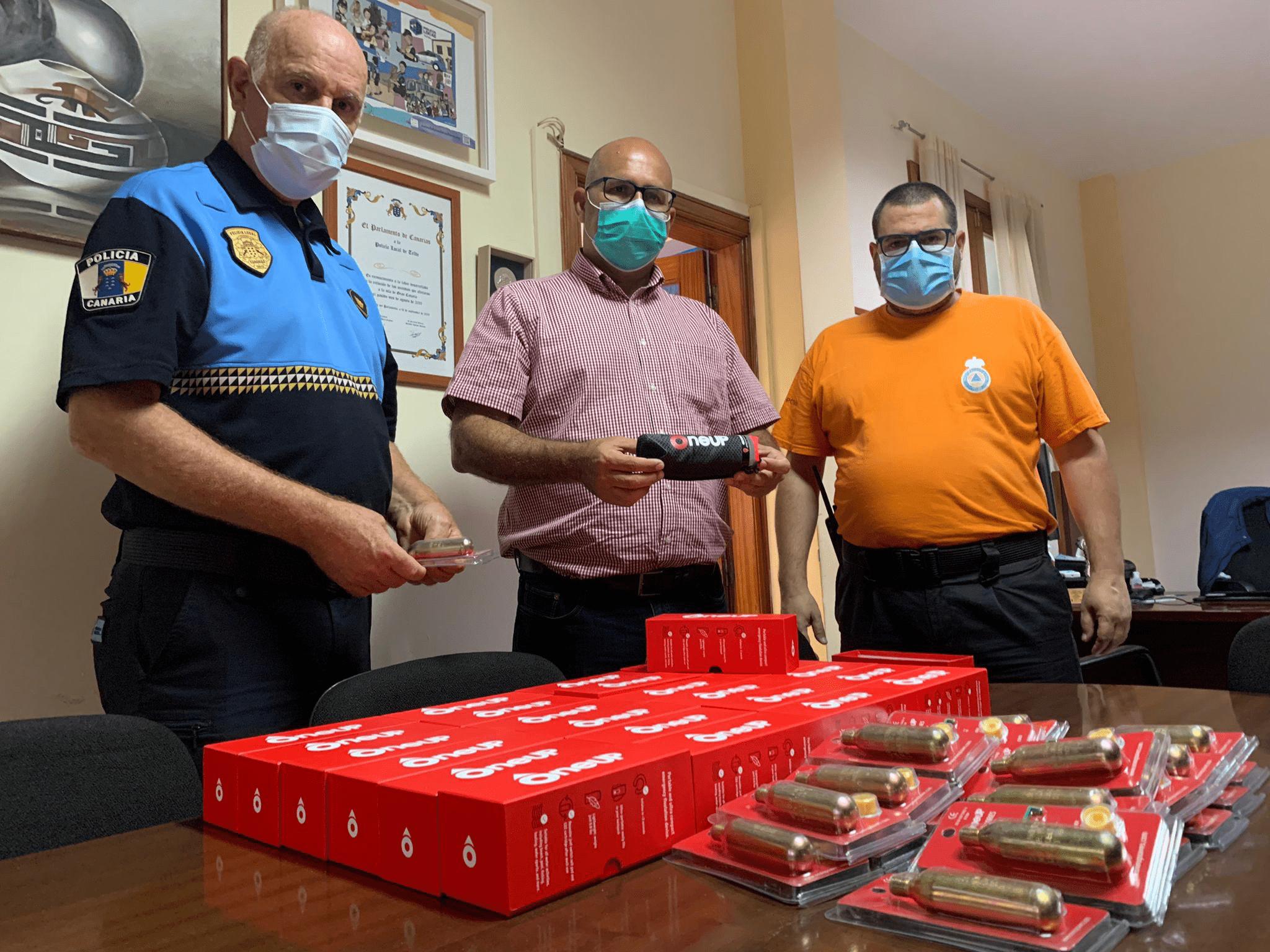 SALVAVIDAS COMPACTOS PARA LA POLICÍA LOCAL Y PROTECCIÓN CIVIL DE TELDE